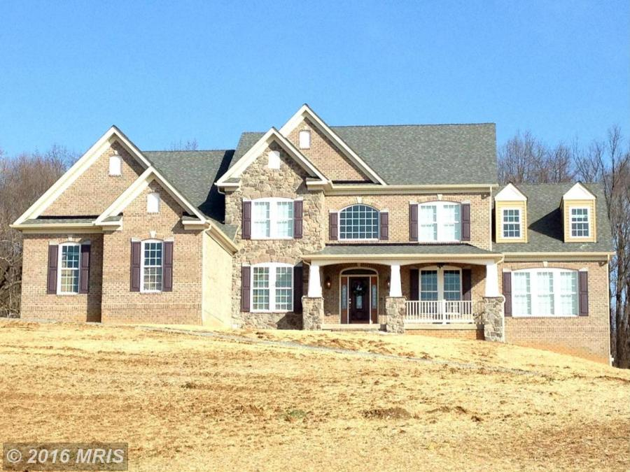 10R FARM MEADOW CT FREELAND, MD 21053